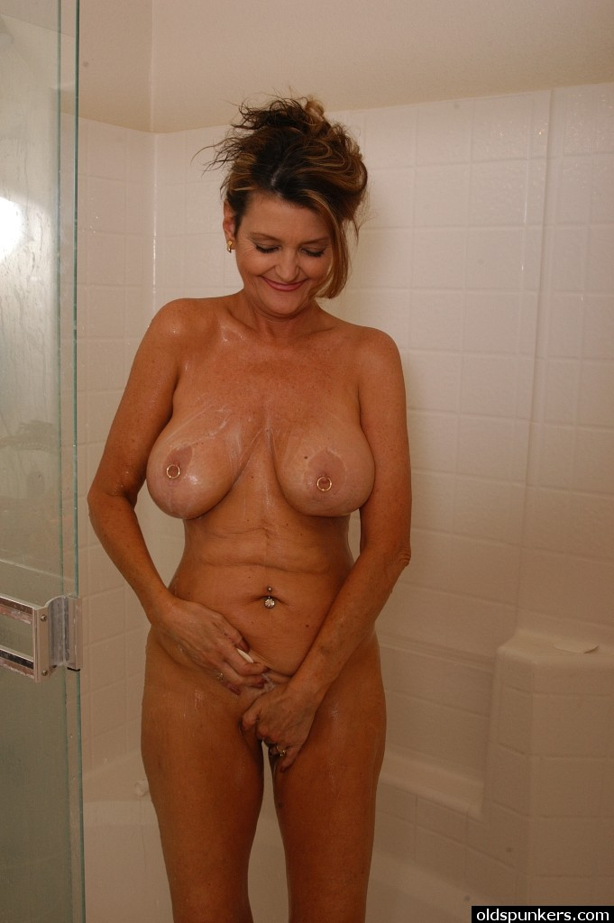 changing room milf